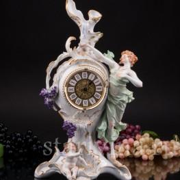 Фарфоровые часы Щедрая лоза, Sitzendorf, Германия, пер. пол. 20 в.
